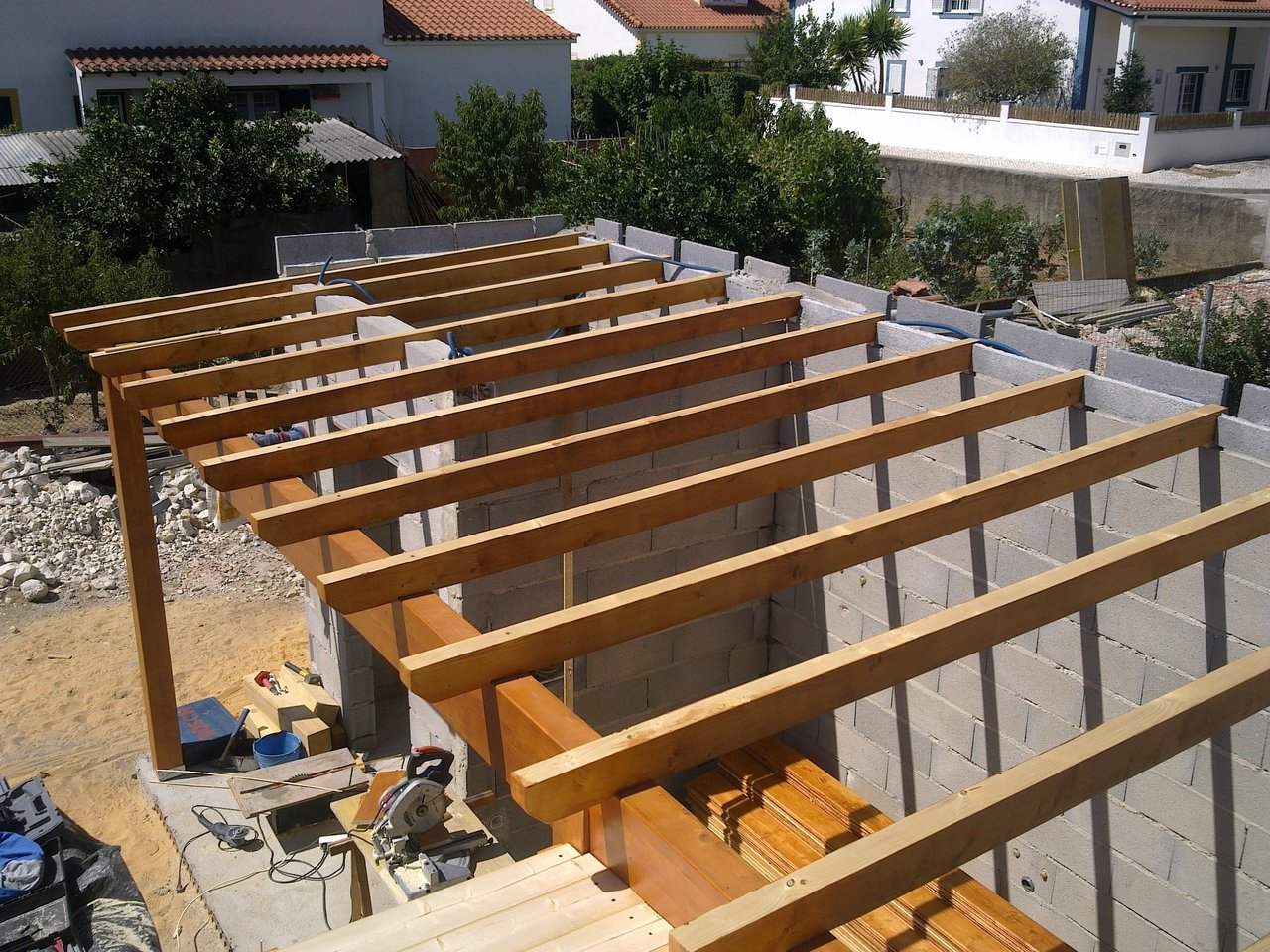 Telheiros em Madeira Obras Somos Nós #9E662D 1280x960